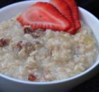 Apple, Raisins &Strawberry Oats