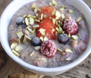 Quinoa & Berries Breakfast Porridge