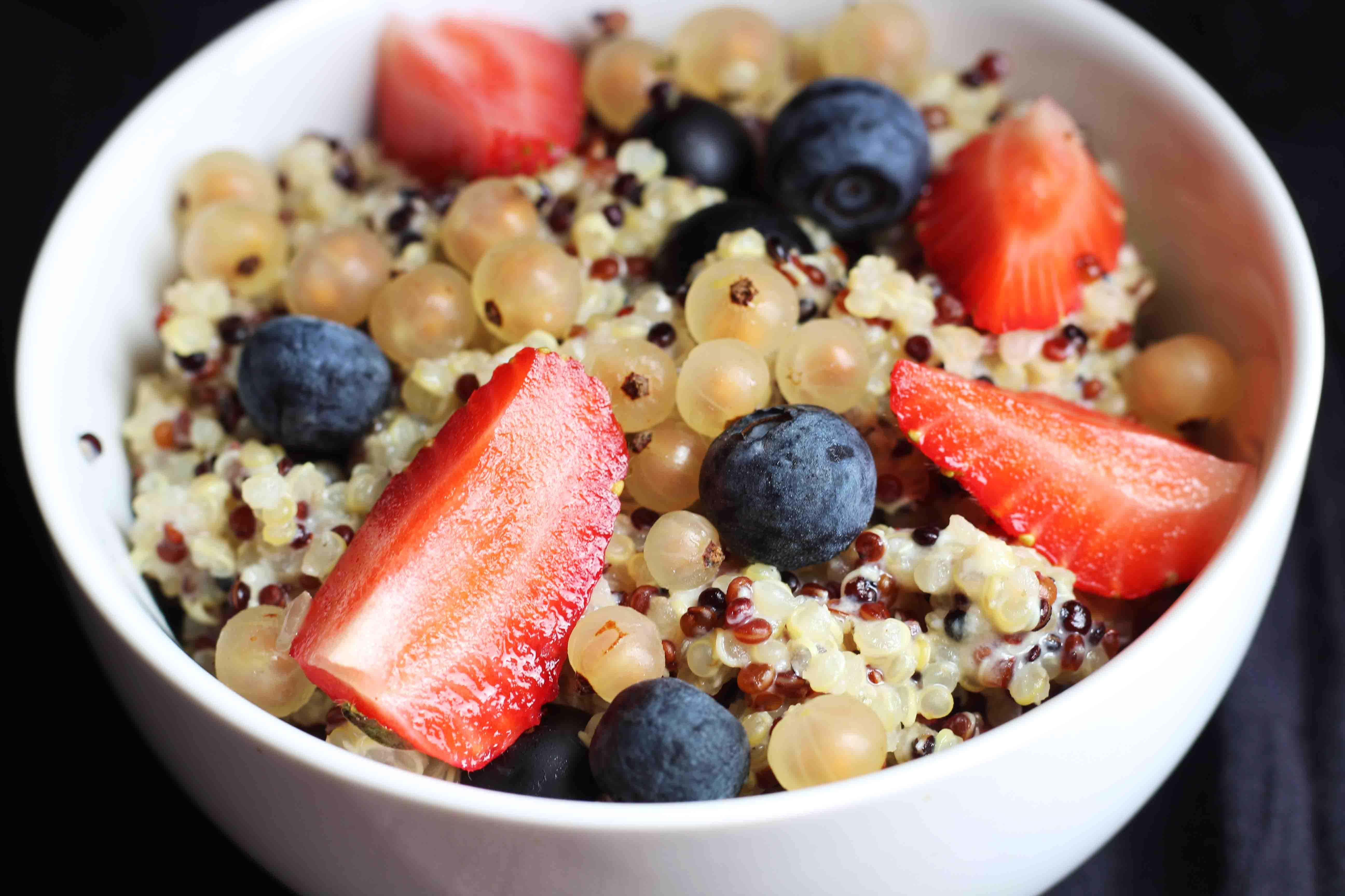 Quinoa & Berries Porridge